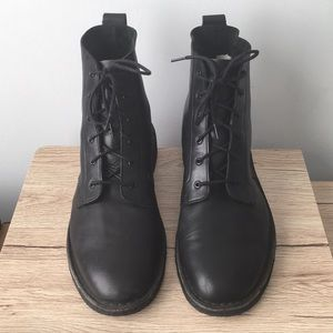 Other - Clark's Original's Black Leather Boots